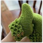 üst kısmı katmerli örülmüş fıstık yeşili örgü bayan patiği