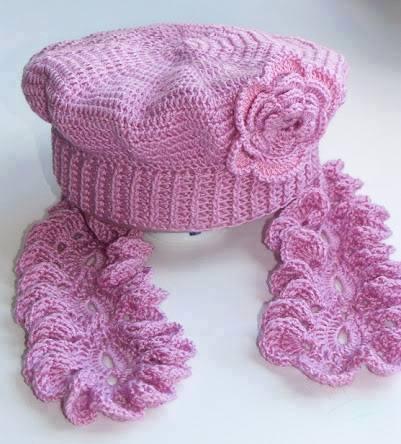 Lila Atkı Şapkı Takımı