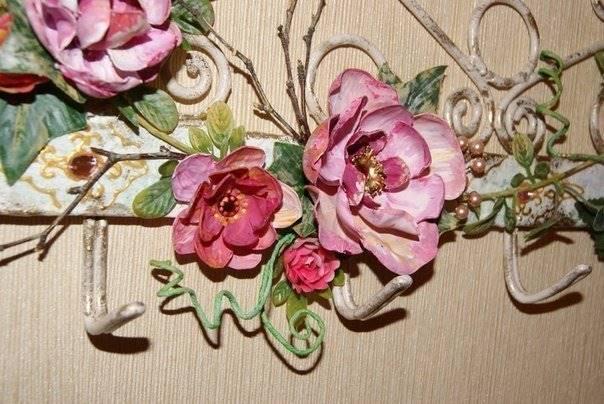 askılığı güllerle süsleme