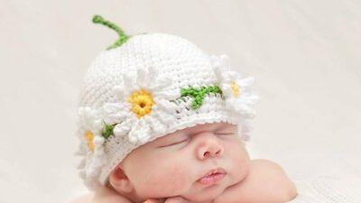 Örgü Papatyalı Bebek Şapkası Tarifi
