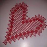 kalp şeklinde yatak odası dantel modelleri