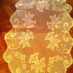 lale desenli dantel masa örtüsü