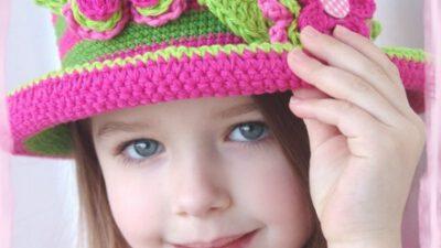 Rengarenk Desenli Örgü Çocuk Şapka Modelleri