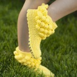yarım boğazlı dolgulu sarı renkli örgü patik modeli