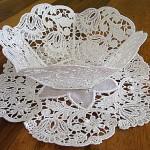 kase şekli verilmiş dantel anglez dekoratif masa örtüsü
