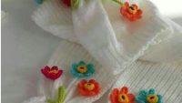 Çiçekli atkı bere takımı