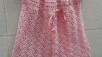 Tığ işi gülle kurdeleyle süslü elbise yapımı