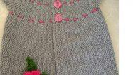 Çiçek Süslemeli Yan Olarak Haraşo Örülen Tek Parça Yelek Yapımı. 2 .3 Yaş