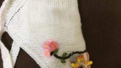 Eşarp Şeklinde Çiçek Süslemeli Çocuk Şapkası Tarifi. 3. 4 Yaş